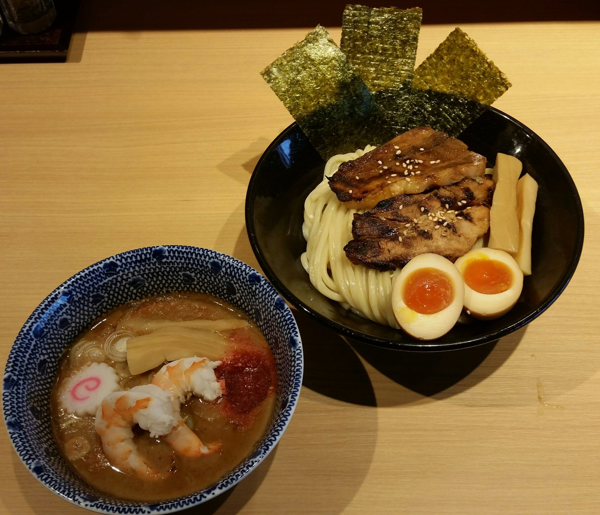 Wanted! Hall staff and kitchen staff for ramen store in【Odaiba】