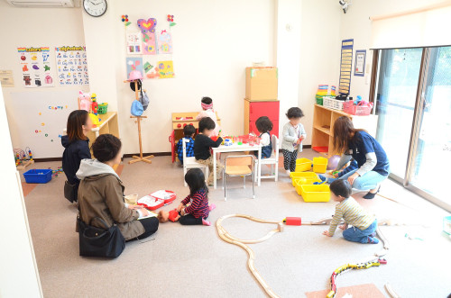 [Urgent! Native English Speaker] Part-time English Teacher for Children in an At-Home Environment!