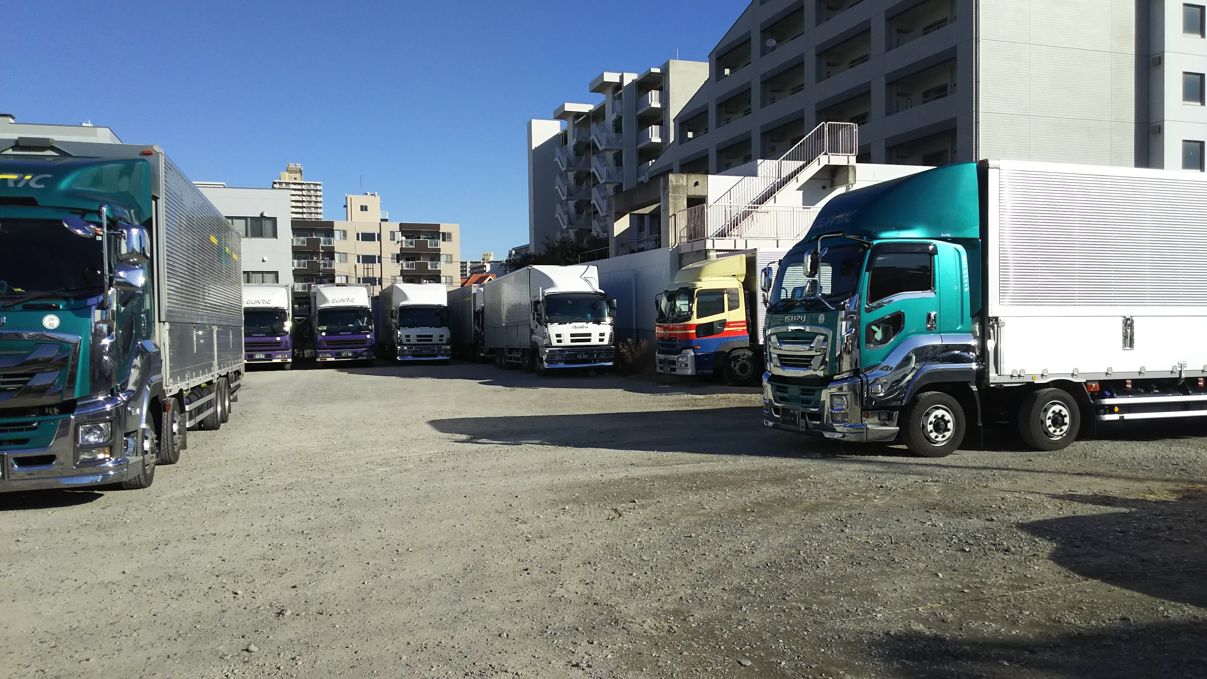 Looking for drivers for heavy truck! ¥14,000~ /day
