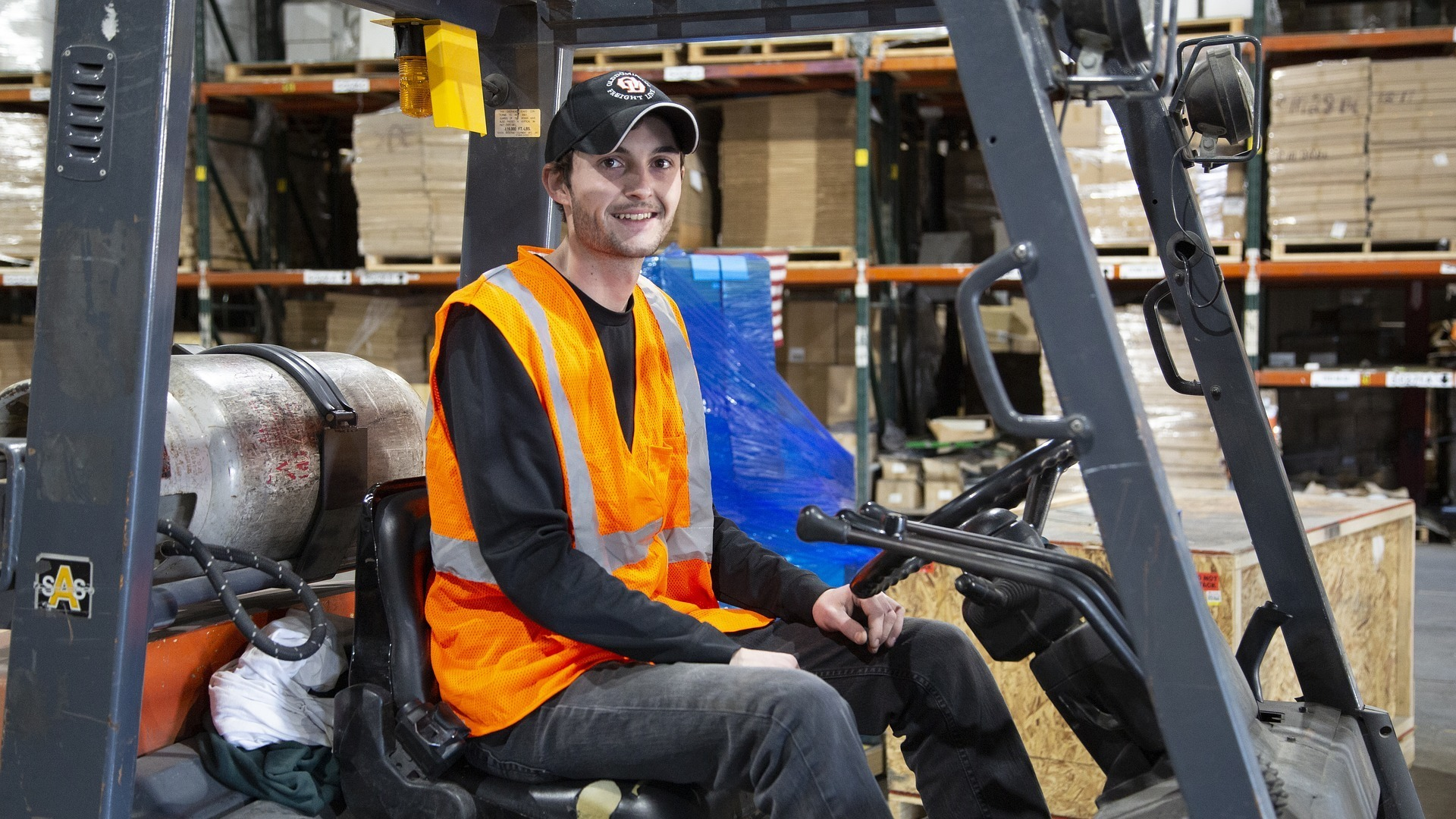 Looking for Forklift Experienced Operator !! (¥197,100/ month〜)【Adachi-ku】