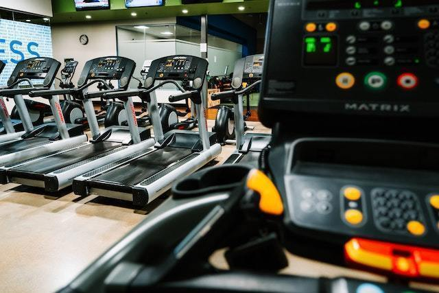 (¥1,200~/h) Daily cleaning position at well-known gym  (4 hours / day)