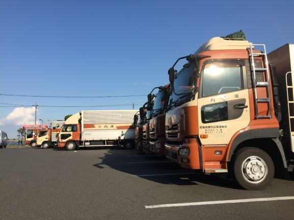 【Tokyo】 4t/10t Truck Driver with Customer Services in Japanese
