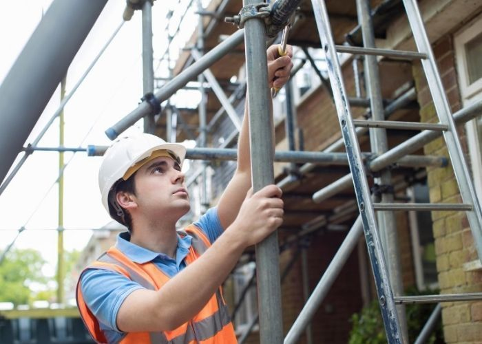 【Chiba】 Build Scaffolding at Construction Sites