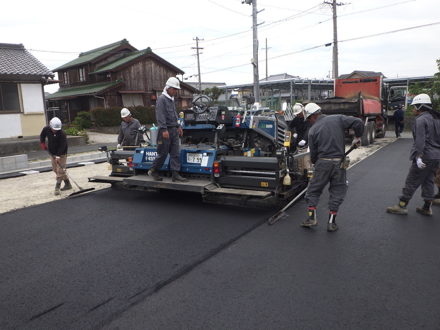 【Aichi】Pavement Worker at Construction Sites