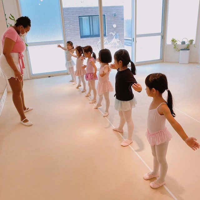 【Tokyo】Dance & Language Assistant (Ballet Class for Kids)