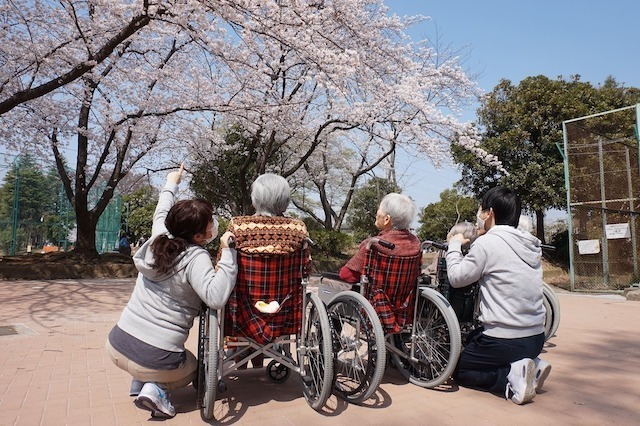 【Yokohama】Caregiver to the Elderly | No Experience Required