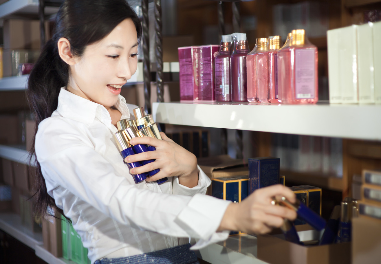 【Ginza, Akasaka, Ariake, Shinjyuku】Beauty Sales Staff in Popular Area Wanted!