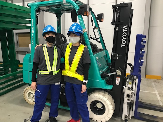 【Kyoto, Kyotanabe】Fork Lift Operator and Sorting Staff in Logistics Warehouse