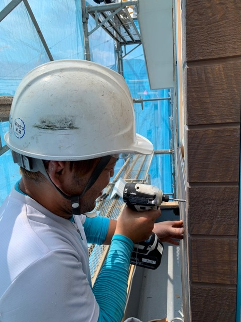 【Saitama】Work as a Constructor Roofing/Repairing walls
